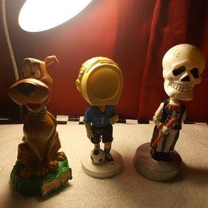 Bobble head figurine scooby doo photo frame and sc